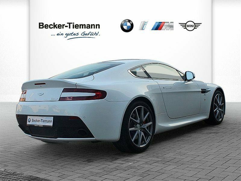 Aston Martin V8 Vantage - Image 1